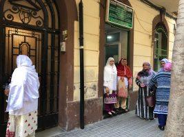 puerta oración mujeres